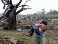 Igrejas e grupos cristãos prestam socorro às vítimas do tornado em Oklahoma