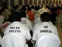 Intolerância religiosa: no México, católicos ameaçam queimar evangélicos que não negarem a fé