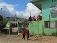 Possessão demoníaca coletiva de jovens em escola causa tumulto e pânico entre alunos e professores