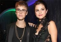 Selena Gomez reatou namoro com Justin Bieber a pedido do pastor Judah Smith, afirma revista