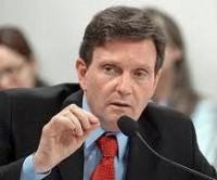 Ministro da pesca, Marcelo Crivella é acusado de usar dinheiro público para beneficiar projeto social da Igreja Universal