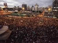 Projeto de lei do senador Marcelo Crivella propõe que protestos durante a Copa sejam considerados terrorismo, com penas de 15 a 30 anos