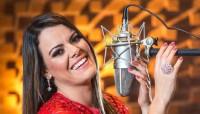 Ana Paula Valadão é tema de reportagem especial da revista Veja e fala sobre fé, casamento gay e carreira; Leia na íntegra