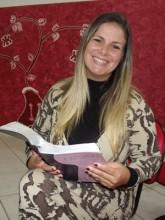 """Ex-atriz pornô, ex-drogada e ex-prostituta: testemunho mostra a conversão de """"Vivi Ronaldinha"""" na missionária Viviane Brunieri"""