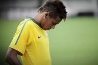 """Neymar comenta sua carreira e atuação pela seleção: """"Às vezes me sento ou me ajoelho e peço a Deus que continue me abençoando"""""""