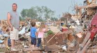 Maioria dos americanos duvida que oração pode evitar desastres naturais, afirma pesquisa
