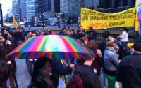 """Protesto contra o pastor Marco Feliciano fecha avenida Paulista em São Paulo; Manobra deve """"enterrar"""" a apelidada """"Cura Gay"""""""