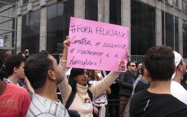 protesto feliciano parada gay 3