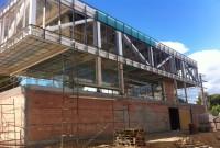 Igreja evangélica constrói templo transparente na Espanha