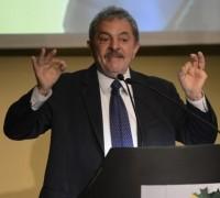 Lula critica postura do pastor Marco Feliciano na presidência da Comissão de Direitos Humanos, afirma jornalista