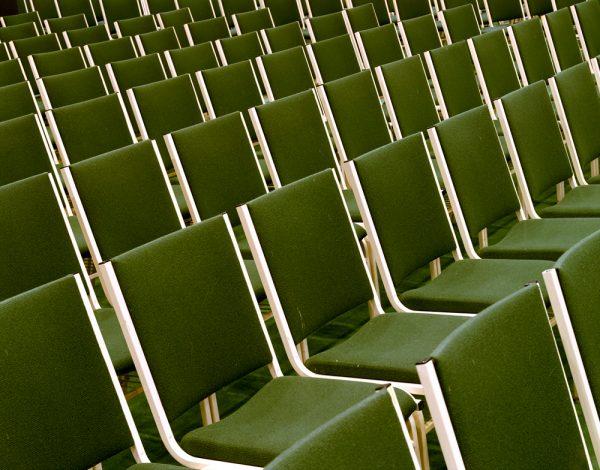 Mega Igrejas - A mostra de fotos de Joe Johnson destaca também detalhes pequenos dos megatemplos