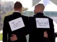 """Jornalista afirma que cristãos contrários ao casamento gay são """"retrógrados e prejudiciais à igreja"""""""