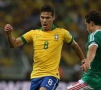 """Oscar e Lucas revelam que Hernanes fez """"ato profético"""" pela conquista do título da Copa das Confederações"""
