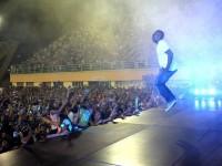 Lei que apoia a realização de eventos evangélicos causa revolta entre artistas em Manaus