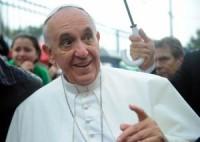 Em comunidade carente, papa Francisco entrou em templo da Assembleia de Deus e orou Pai Nosso com pastores e fiéis