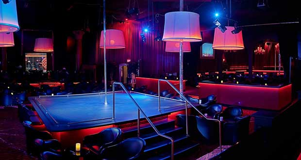 Regulaciones de Massachusetts strip club