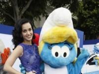 """Filha de pastores evangélicos, Katy Perry conta que seus pais não a deixavam assistir """"Os Smurfs"""""""