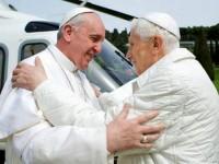 """Bento XVI afirma que renunciou ao papado porque """"Deus falou com ele"""" para deixar o cargo"""