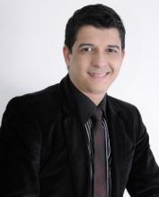 """Assessor do pastor Marco Feliciano, cantor Roberto Marinho diz que considera ser candidato a deputado federal: """"Tenho esse desejo no coração"""""""