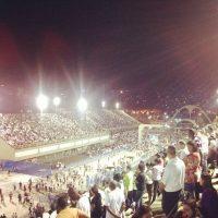 """Igreja Universal reúne milhares de fiéis no Sambódromo do Rio de Janeiro para a """"Vigília do Resgate""""; veja fotos, vídeos, depoimentos, testemunhos e opiniões"""