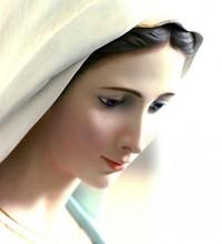 Católicos invocam mais a Maria do que a Jesus, diz articulista de jornal, sobre divergências teológicas com evangélicos