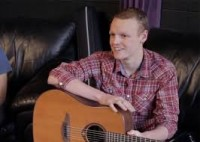 Antes de morrer vítima de câncer, jovem cristão compõe música com testemunho de fé e se torna sucesso; Assista o clipe
