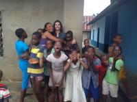 Jornalista Tatyana Jorge da TV Globo testemunha sobre missão evangélica Caminho Nações na Africa