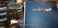 """Em meio à guerra civil na Síria, cristãos são perseguidos por muçulmanos, que classificam a Bíblia como """"mais perigosa que armas químicas""""; Assista"""