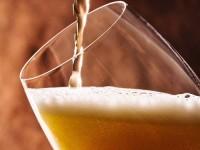 """Pastor Claudio Duarte estreia programa no YouTube e fala sobre bebida sem álcool: """"Qual o benefício de tomar uma cerveja assim?""""; Assista"""