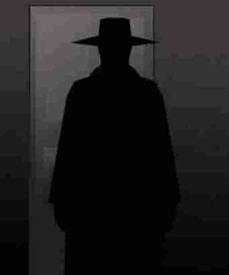 Homem Que Dizia Ser Satanás Invade Igreja, Ateia Fogo Ao