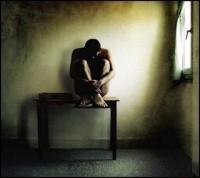 Pesquisa revela que metade dos evangélicos acredita que oração e estudo bíblico podem curar doenças mentais