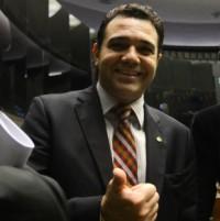 Pastor Marco Feliciano aguarda pesquisa para definir se tenta cadeira no Senado, diz jornalista; Planalto não está descartado