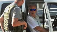Pastor evangélico Terry Jones é preso ao tentar queimar quase 3 mil exemplares do Alcorão