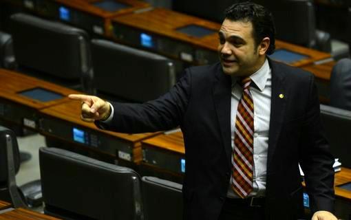 http://noticias.gospelmais.com.br/files/2013/10/pastor-Marco-Feliciano-comissao-de-direitos-humanos-e-minorias.jpg