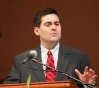Pastor Russel Moore afirma que a igreja evangélica tem misturado Jesus a um discurso capitalista