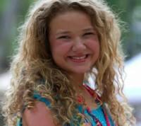 """Adolescente deficiente que emocionou plateia e jurados de reality show fala sobre sua fé: """"Fui criada à imagem de Jesus""""; Assista"""