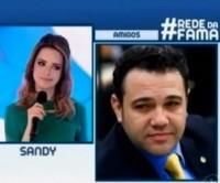 """Sandy afirma que o pastor Marco Feliciano tem uma cabeça """"atrasada e retrógrada""""; Feliciano responde dizendo estar orando pela cantora"""