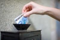Igrejas cristãs arrecadam bilhões de reais em dízimos e ofertas todo ano, segundo a Receita Federal