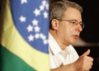 """Frei Betto diz que bancada evangélica se assemelha aos regimes nazista e fascista: """"O Brasil está chocando o ovo da serpente"""""""