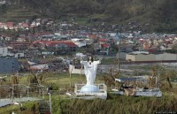 Estátua alusiva a Jesus Cristo resiste ao tufão Haiyan e se torna símbolo de esperança nas Filipinas; Missionários testemunham livramentos
