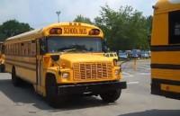 Motorista de ônibus escolar é demitido por orar pela segurança de seus passageiros