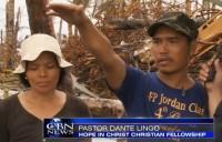 """""""Deus nunca nos abandona"""": pastor que perdeu três filhos durante tufão Haiyan reúne forças para recomeçar"""