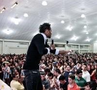 Jogador Zé Roberto, do Grêmio, afirma que pretende estudar teologia e se tornar pastor quando deixar o futebol
