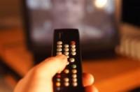 Ativistas dizem que programas evangélicos na TV são inconstitucionais e pedem proibição