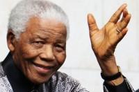 """Jornalista critica exagero nas homenagens a Nelson Mandela e diz: """"Parem de compará-lo a Jesus"""""""