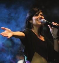 Justiça aceita denúncia de superfaturamento em show da cantora Fernanda Brum