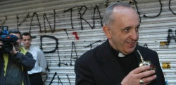 http://noticias.gospelmais.com.br/files/2013/12/jorge-mario-bergoglio.jpg