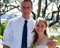 Ex-ativista gay sofre preconceito por ter se convertido ao evangelho e se casado com uma mulher
