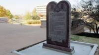 Grupo satanista move ação na Justiça para erguer símbolo satânico ao lado de famoso monumento cristão