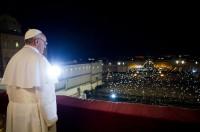 Bispo Edir Macedo diz que a Igreja Católica é a grande prostituta da Bíblia e o papa a besta do apocalipse; Veja vídeo